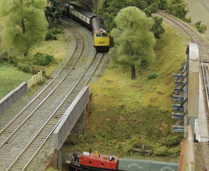 Class 52 approaches canal bridge