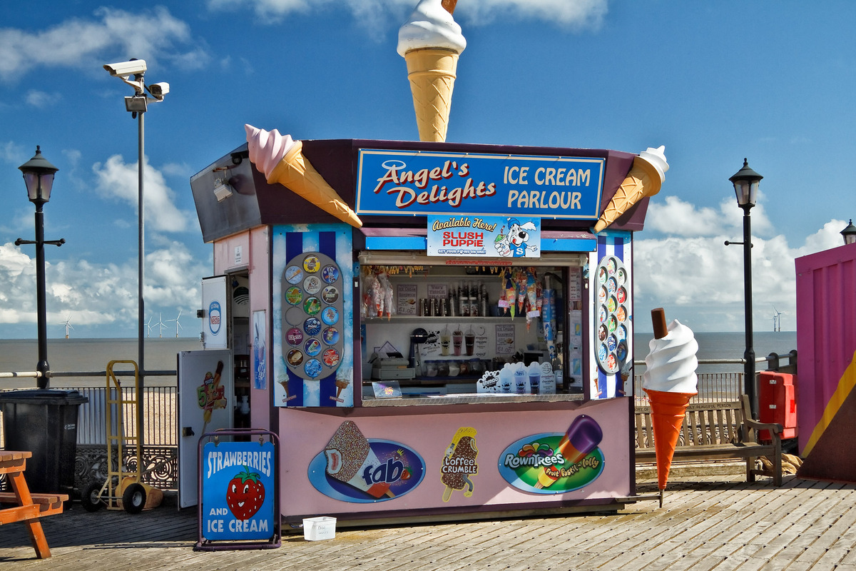 The Brelu-Brelu Photographic Group | Ice cream parlour